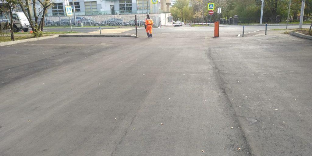 Коммунальщики заменили асфальт на 1-й Останкинской улице
