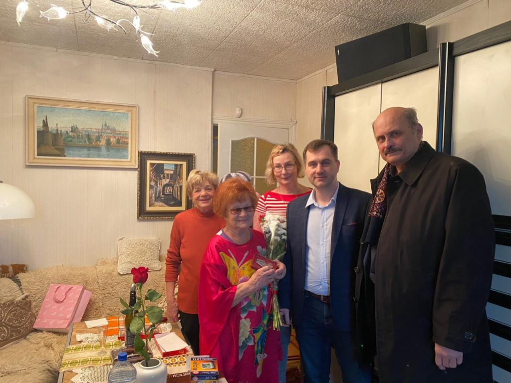 В честь 75-летия Победы ветеранам Останкина вручили юбилейные медали