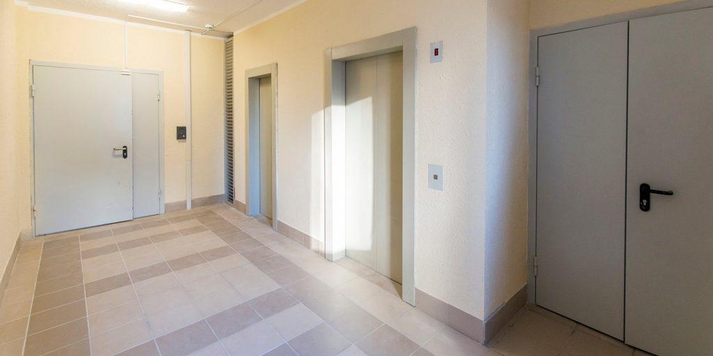 В доме на Аргуновской починили лифт