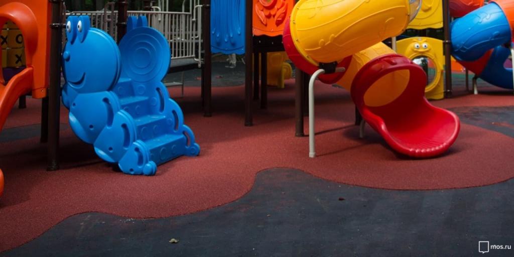 Детскую площадку на Годовикова привели в порядок